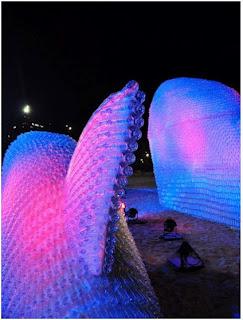 Ψάρια γίγαντες φτιαγμένα από πλαστικά μπουκάλια-4