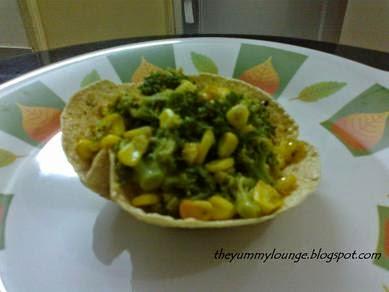 Broccoli Corn Salad in Papad Bowl Recipe