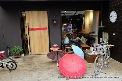 台北:巷弄的理想。時光,下雨天的一碗牛肉麵
