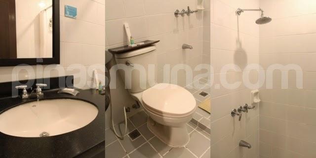 Microtel by Wyndham in Davao City Bathroom