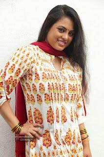 Actress-Meenakshi-Stills