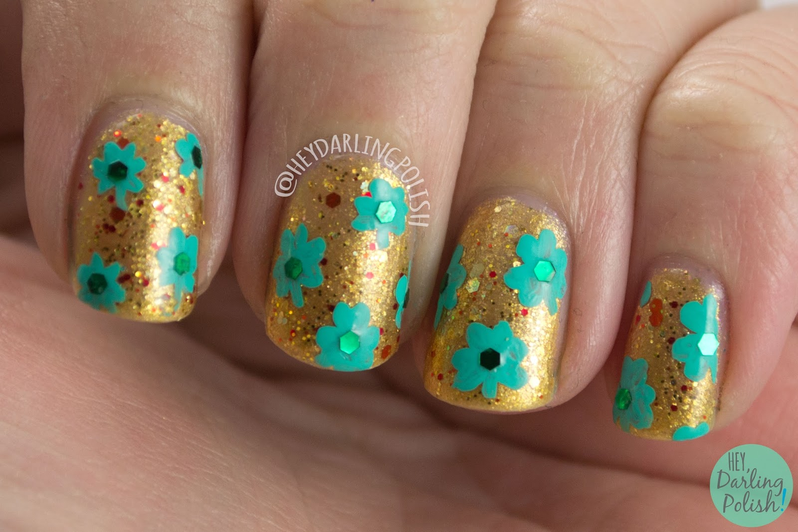 nails, nail art, nail polish, hey darling polish, gold, green, shamrocks, glitter, st. patrick's day, nail linkup