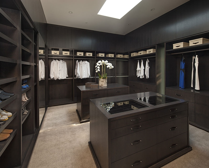 Walk in closet in Sunset Plaza Drive modern mansion in Los Angeles