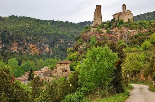 Fotografia de Maria Rosa Ferré del castell de Santa Perpètua de Gaià