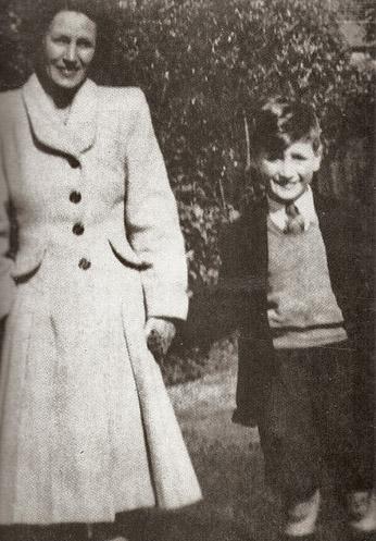 Aunt Mimi, John Lennon