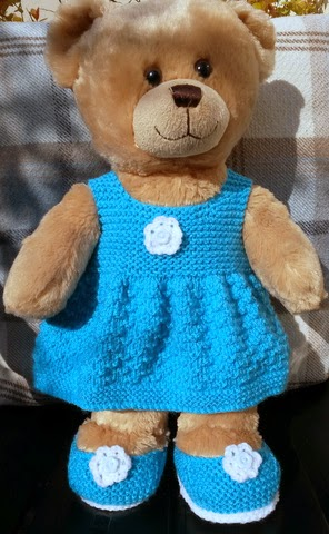 Linmary Knits: Teddy knitted dress and shoes