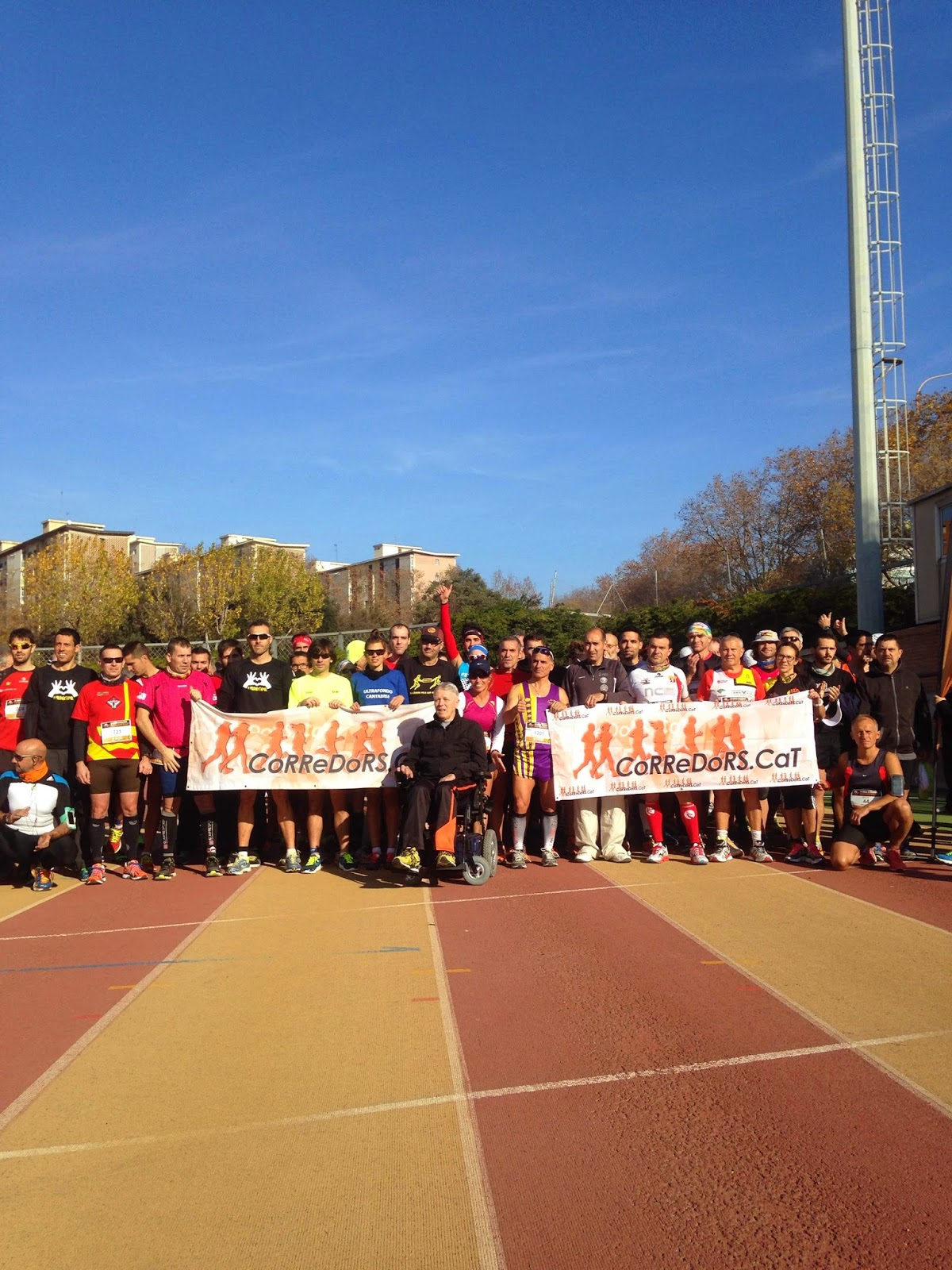 24 horas atletismo can drago barcelona pitufollow foto