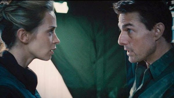 Tom Cruise and Emily Blunt in Edge of Tomorrow