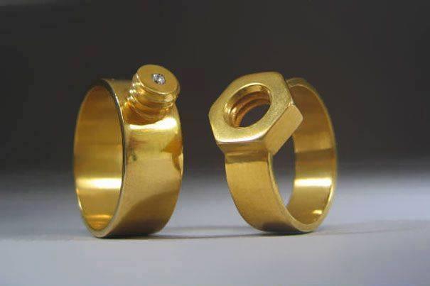 cincin pernikahan unik mur - baut