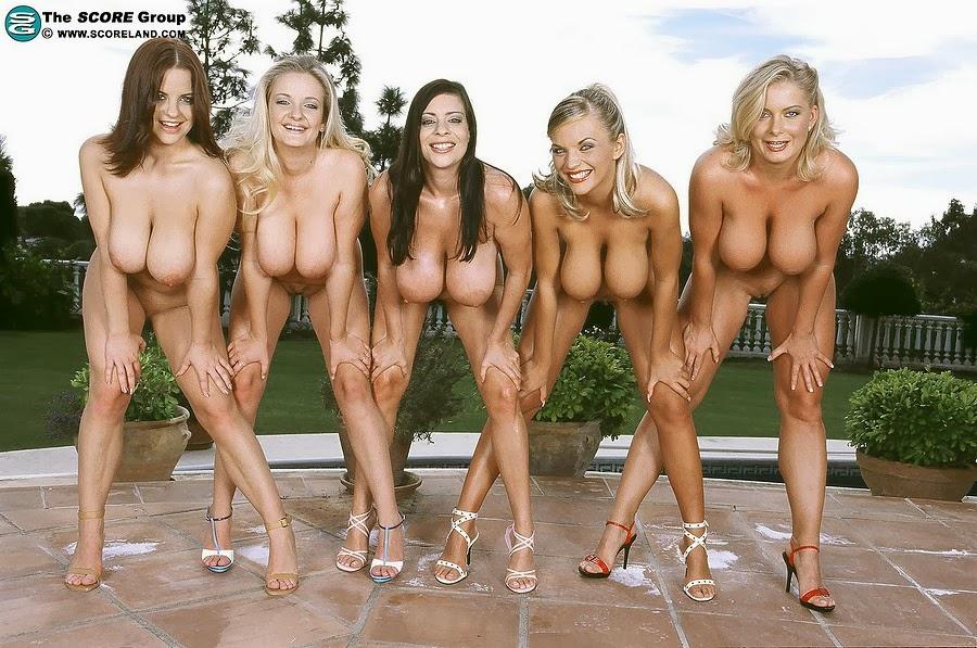 score girls posed nude