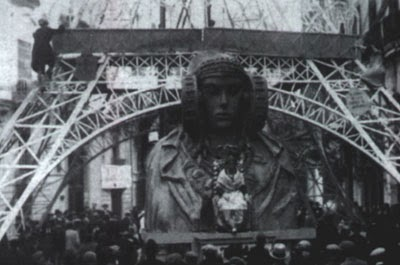 http://www.4shared.com/download/KnbXCNQ0ba/Torre_Eiffel-1929-Detalle.jpg