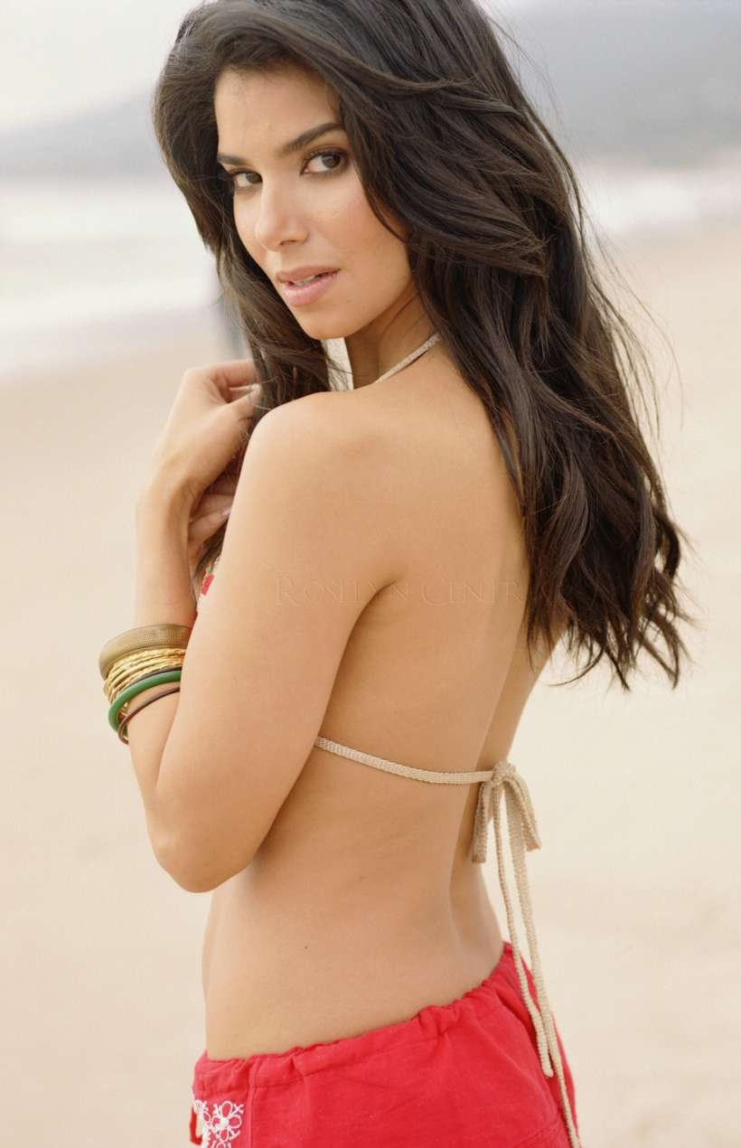 Roselyn sanchez hot image the wallpapers world for Hot wallpapers world