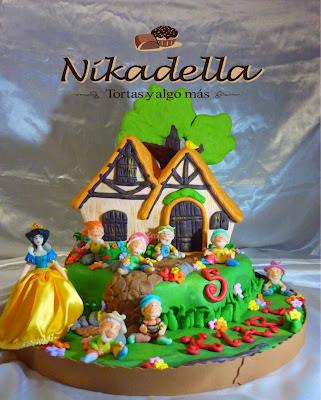 Torta Casita de Blancanieves y los 7 enanitos 5 años Kiara