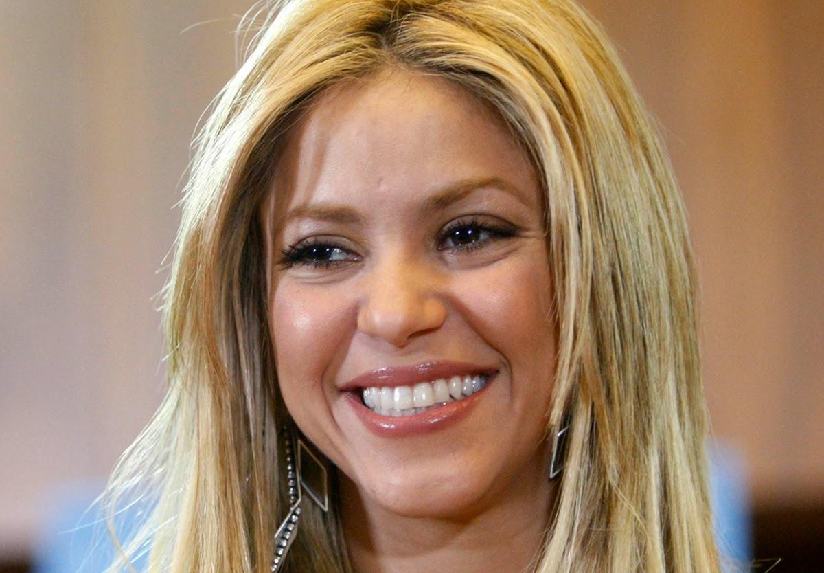 Gerard Pique Girlfriend Shakira Picture World