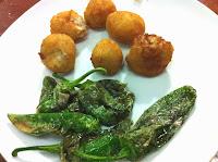 Restaurante-Abaroa-Museo-Bilbao-Croquetas-Pimientos