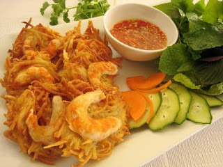 Banh tom- place to visit in West lake