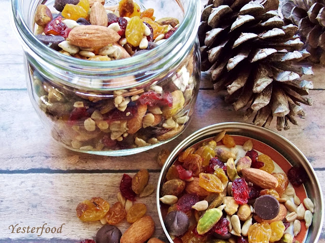 Yesterfood: Winter Sunshine Trail Mix
