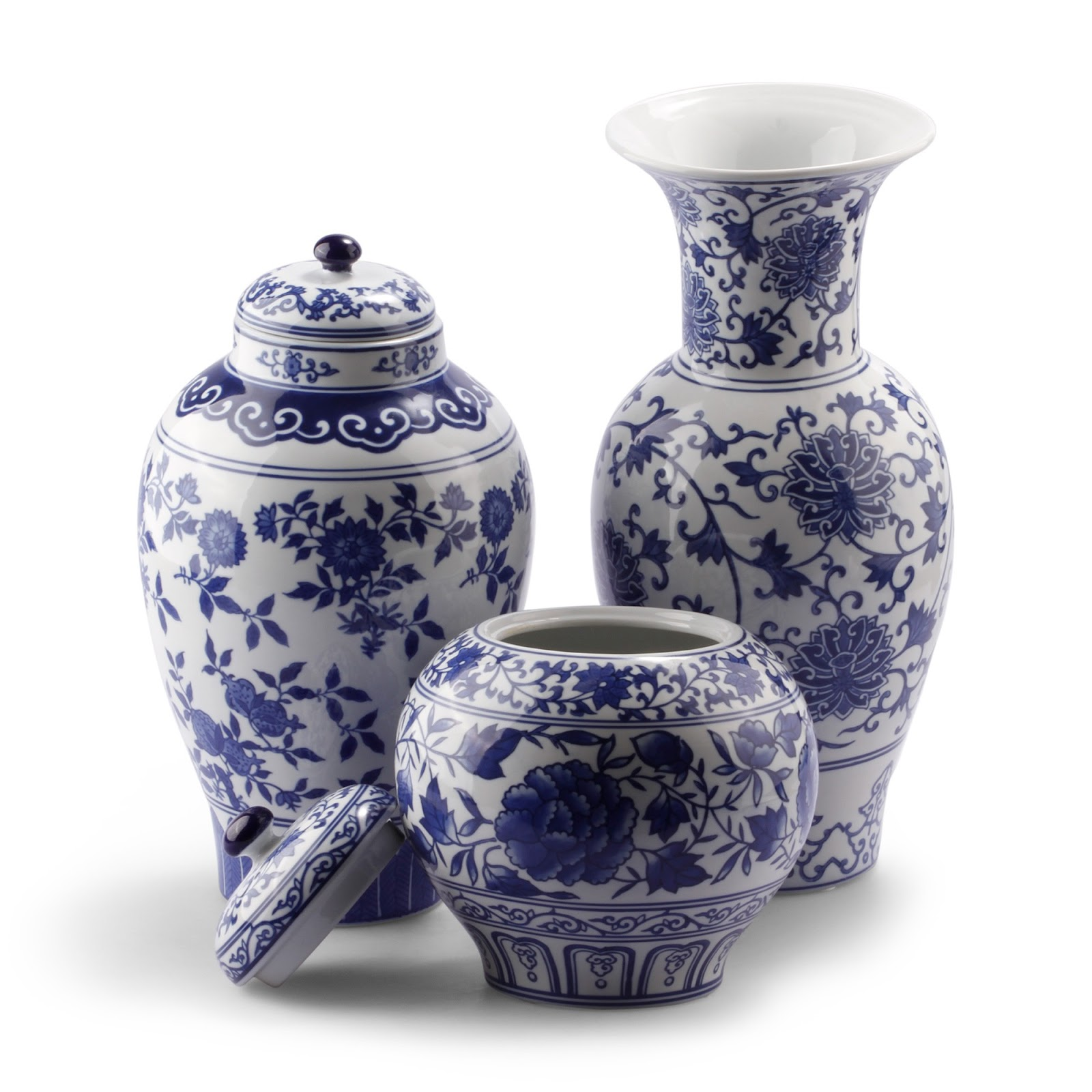 Luxe report luxe decor blue white chinese pottery for Decorating with blue and white pottery