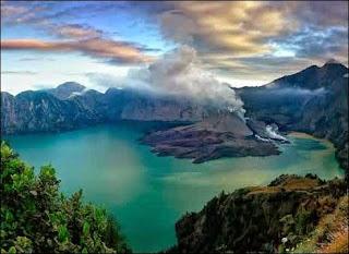Gunung Rinjani - 7 Tempat Wisata untuk Liburan di Lombok