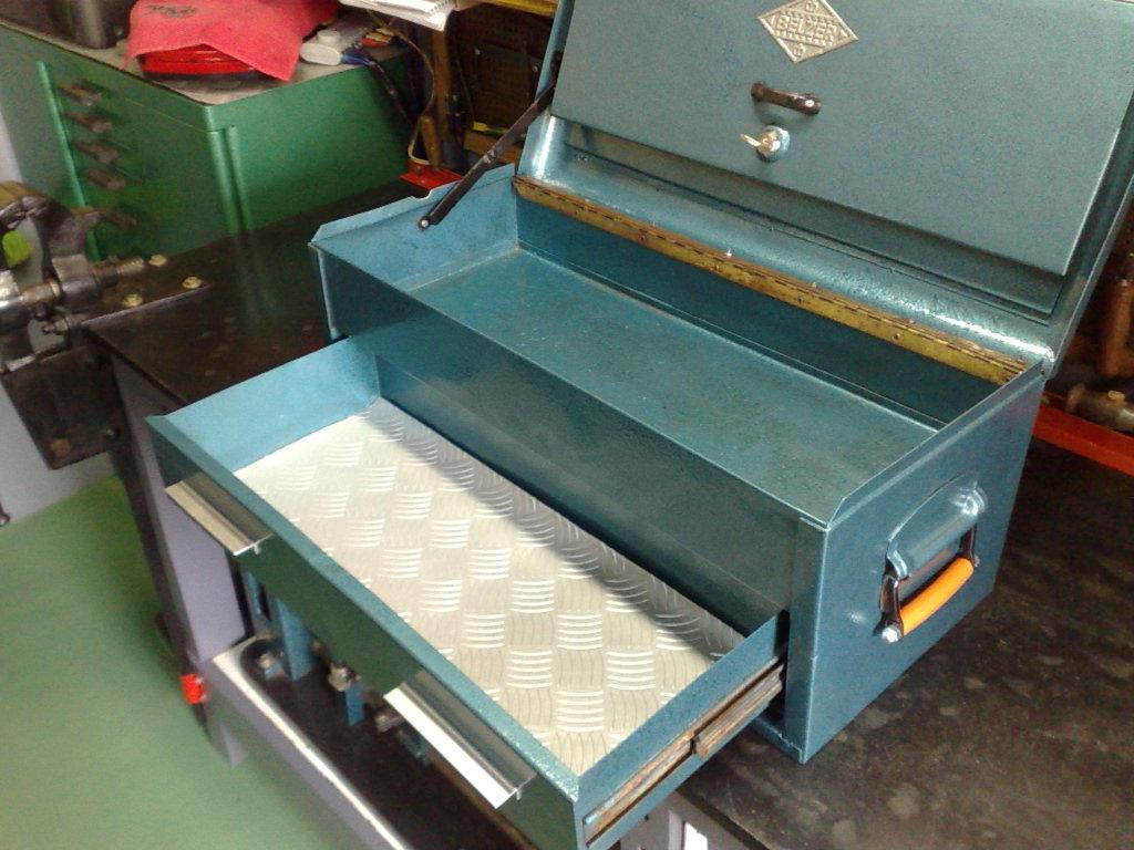 fazer mais algumas caixas em madeira para separar as ferramentas #974134 1024x768