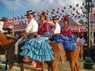 Feria de Sevilla 2011 - Caballistas con flamencas