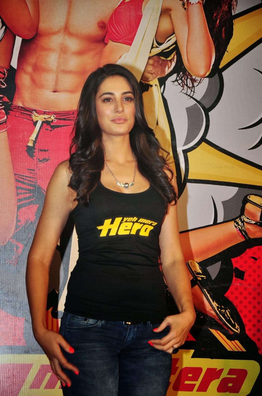 Nargis hot in main tera hero