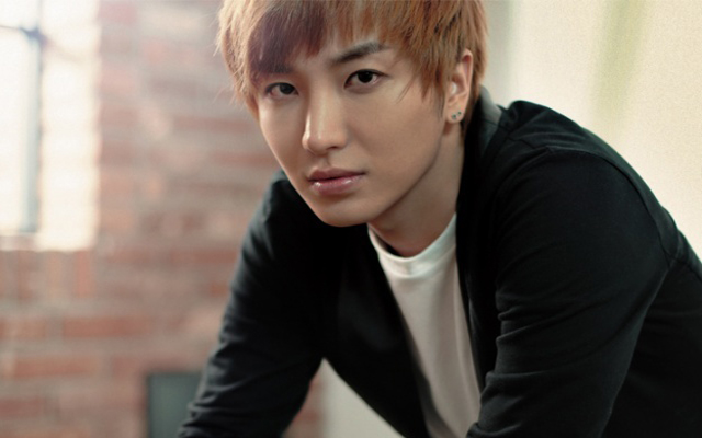 Search for Label :: leeteuk ::  Latest Kpop News  Kpop News