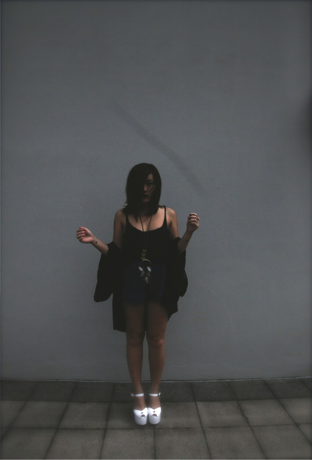 retro effect with Anthea from épique wearing black vest, WISH lace kimono and lonestar platforms