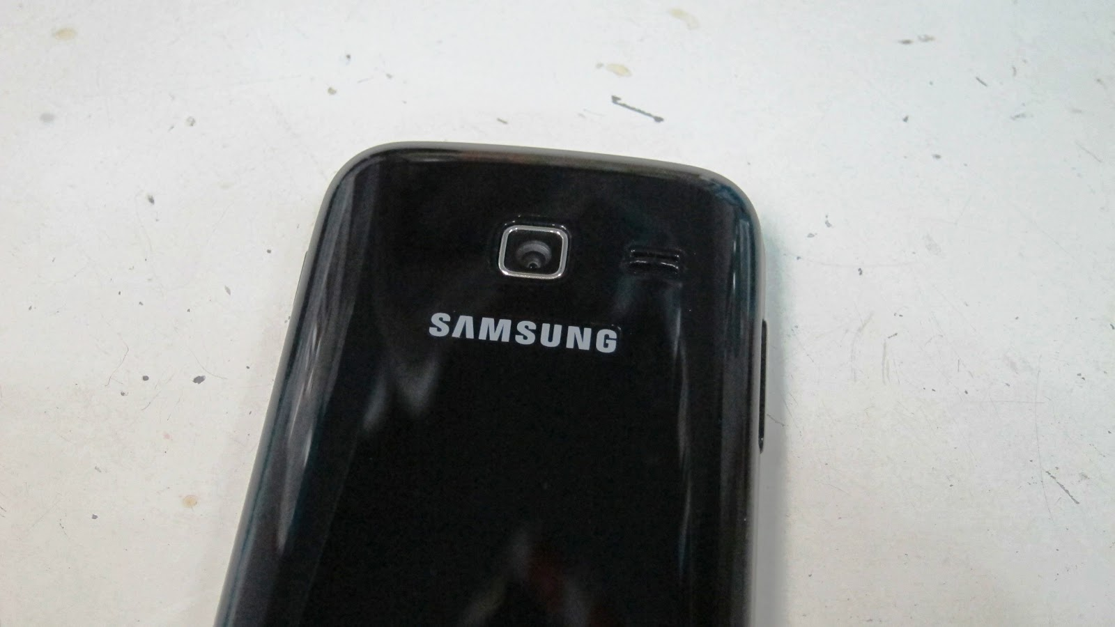 Gallery for gt samsung galaxy s6102 - This Phone Uses The Normal Music Player That Most Samsung Phones Have It Categorizes And Arranges The Audio Files By Artists Songs Playlist And Albums