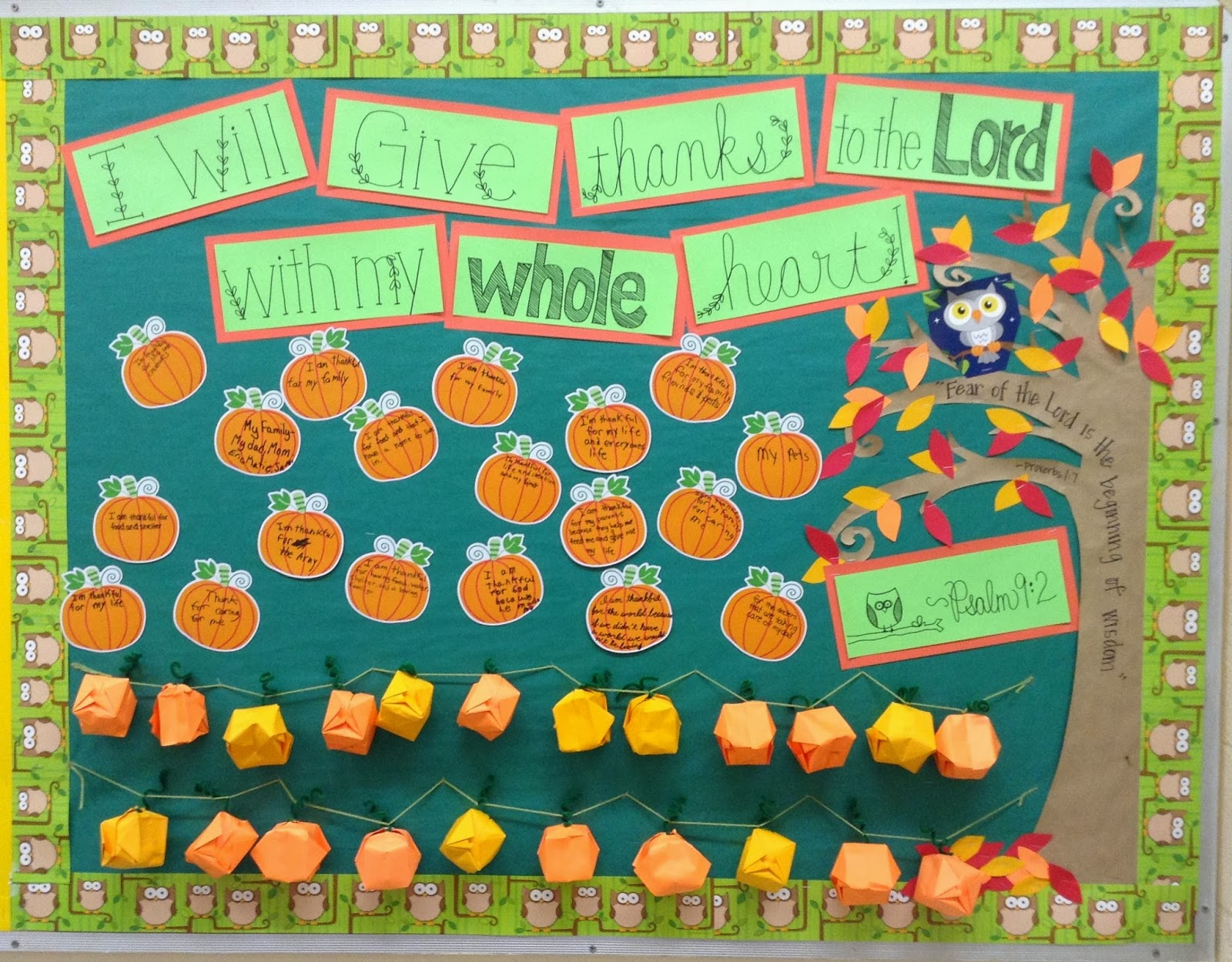 Look to Him and be Radiant: Give Thanks Bulletin Board