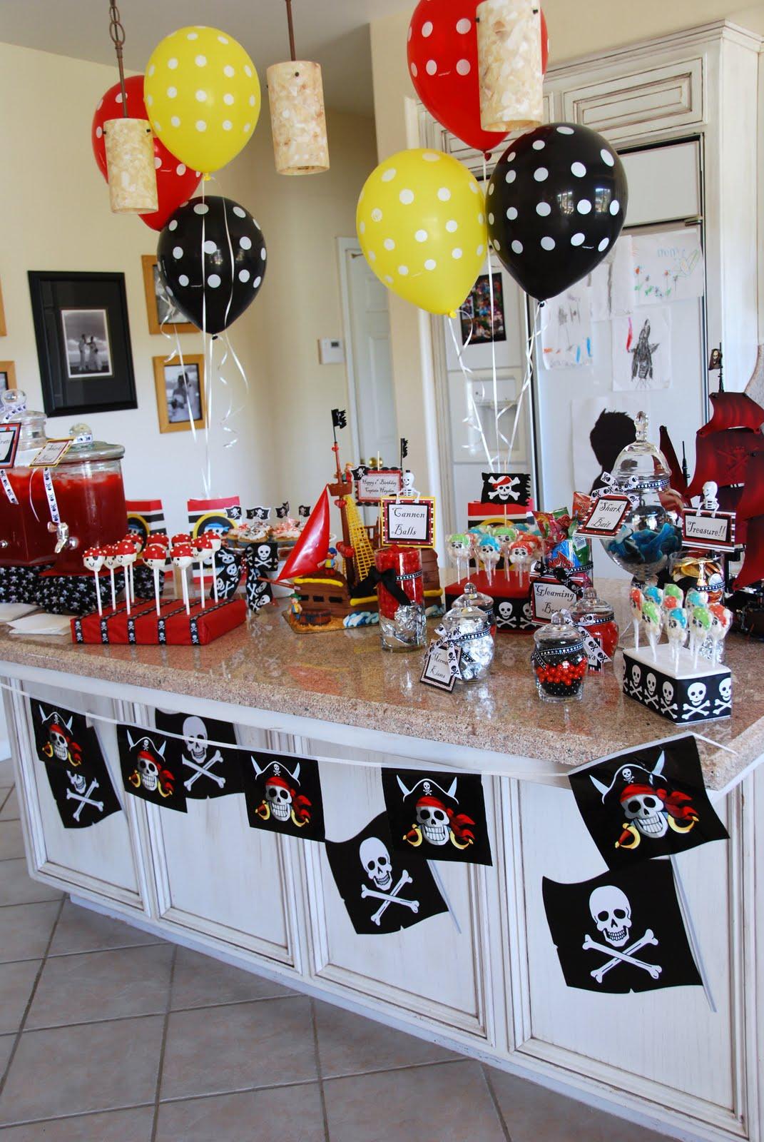 Украшение для пиратской вечеринки