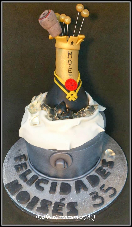 Tarta Botella de Cava Pastel Torta Gominolas Cubitos de Hielo Fondant Pasta de Azúcar Aniversario Cumpleaños Adultos Modelado Dulce Frosting de Chocolate Bizcocho Vainilla Victoria Sponge Cake Burbujas Corcho Tapón Cubitera Leche Merengada