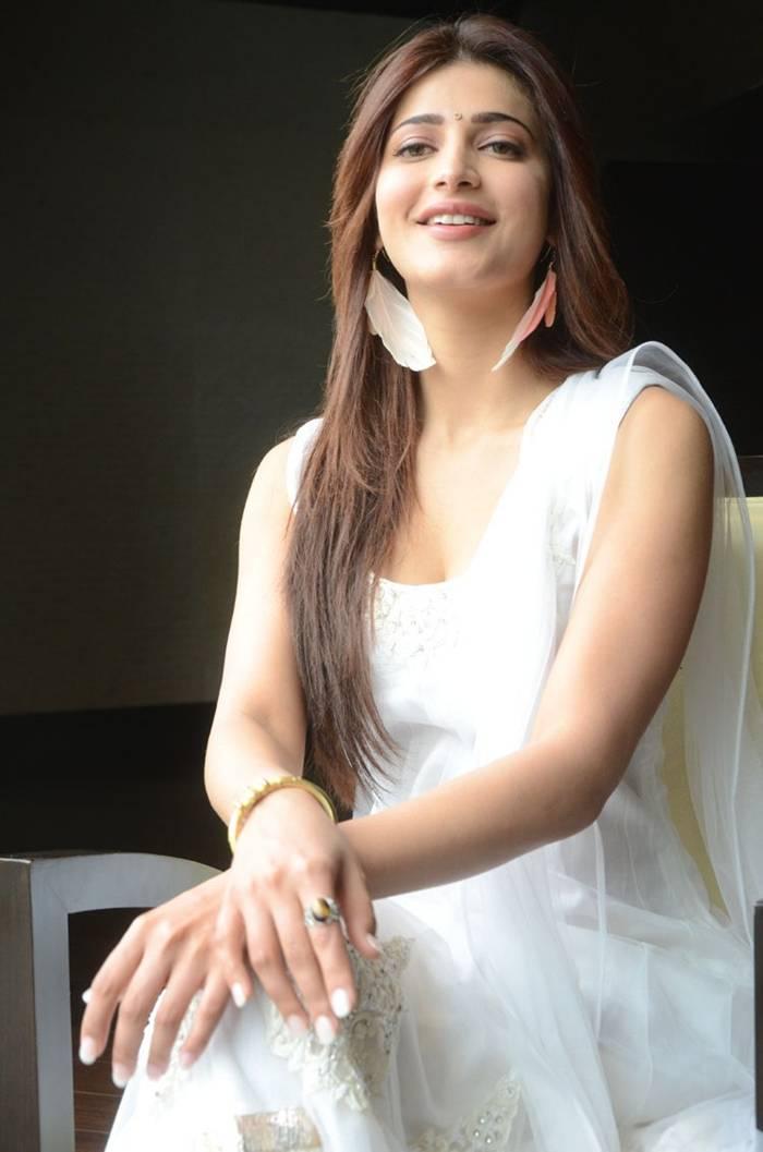 Shruti Hassan Latest White Salwar Suit Photoshoot