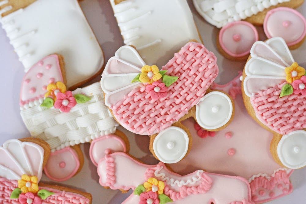 Receta de Galletas decoradas para baby shower (coche con canasta)
