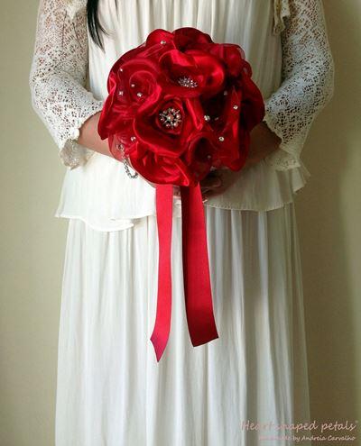 bouquet de noiva com jóias