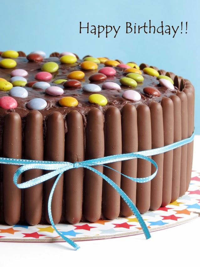 bolo de chocolate e pintarolas