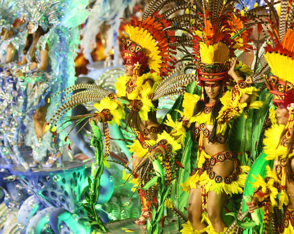 the rio de janeiro carnival Millions flock to rio de janeiro to drink, dance and party non-stop throughout the celebrations with the festival bringing in an estimated $1 billion (£802 million) to the raucous.