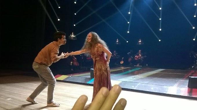 """#Polêmica: """"Passava horas esperando e não era atendido"""" diz fã que subiu ao palco em Recife, na turnê 'Abraçar e Agradecer'"""