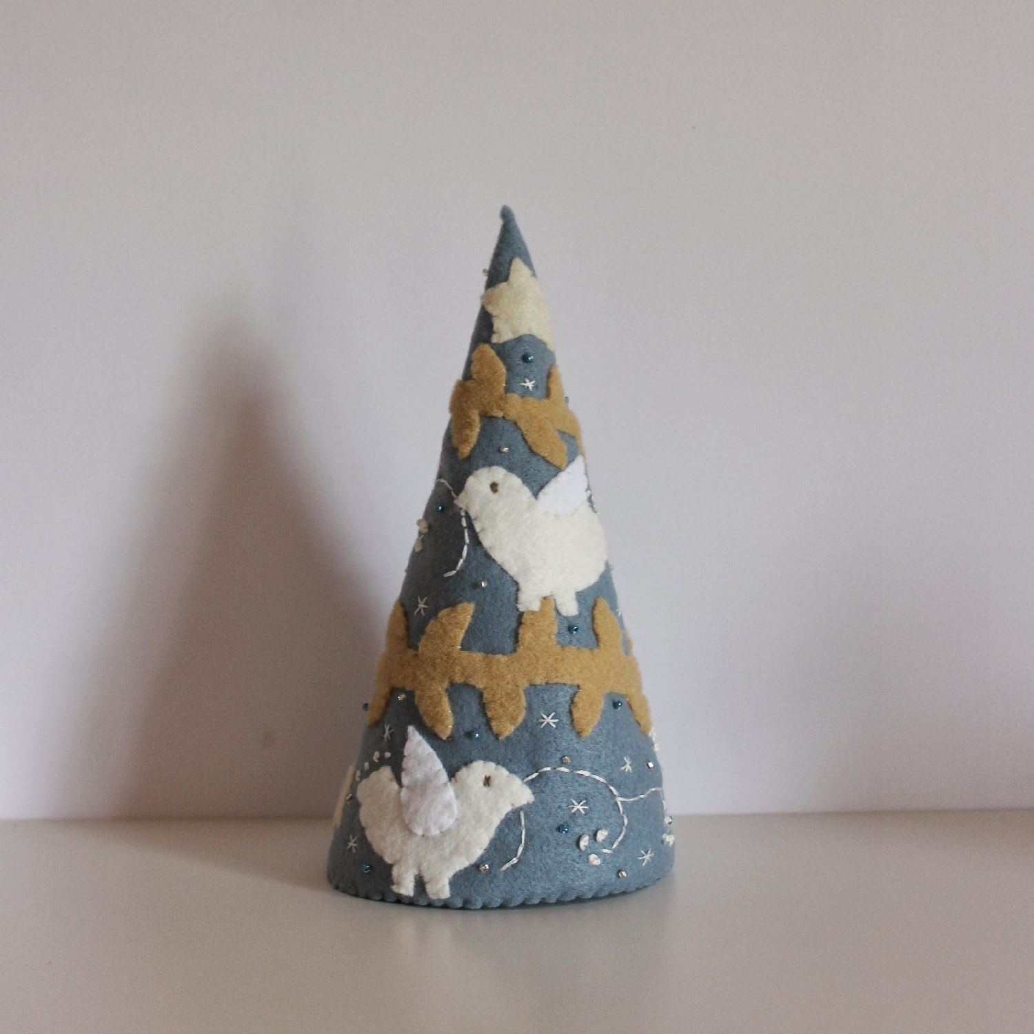 Christmas Tree Felt Applique Birds