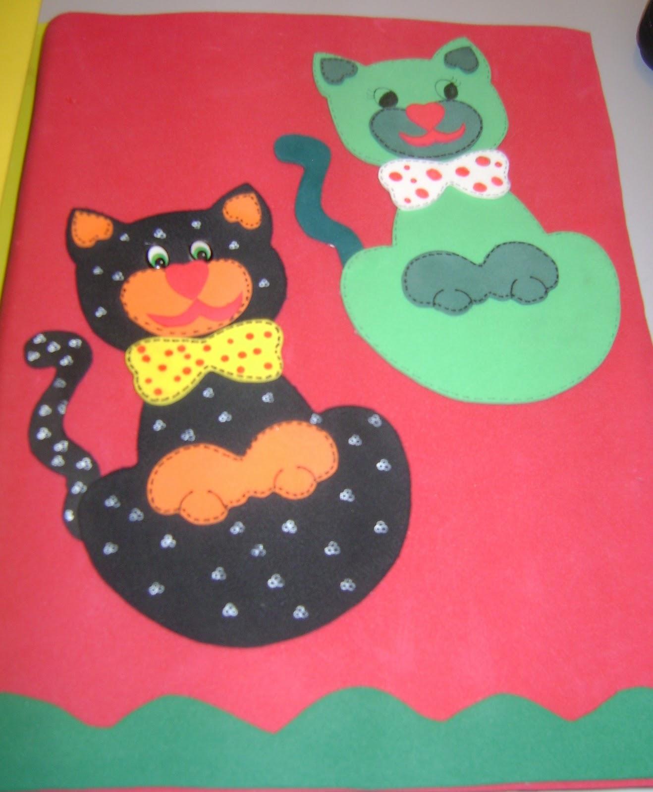 Capa Vermelha   Gatos