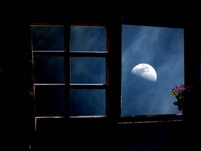 Bienvenidos al nuevo foro de apoyo a Noe #262 / 30.05.15 ~ 02.06.15 - Página 5 Ventana+con+luna