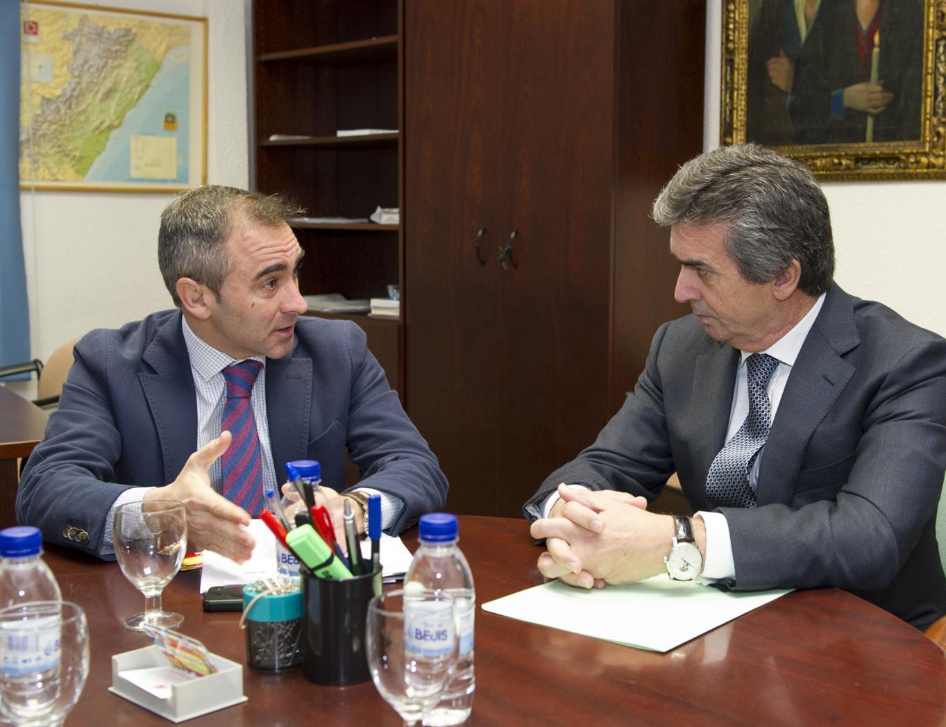 Bankia se compromete con la diputaci n a garantizar el for Bankia oficina movil