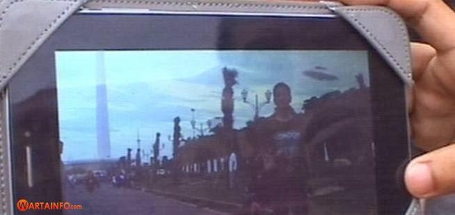 Video Penampakan UFO Tertangkap Kamera di Monas
