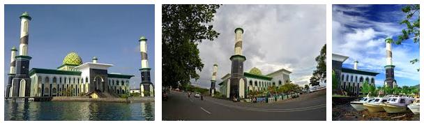 Masjid Al-Munawaroh - Landmark Kota Ternate