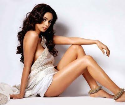 Mallika Sherawat Hot Pics
