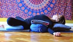 Master Class de Yoga Restaurativo & Automasaje
