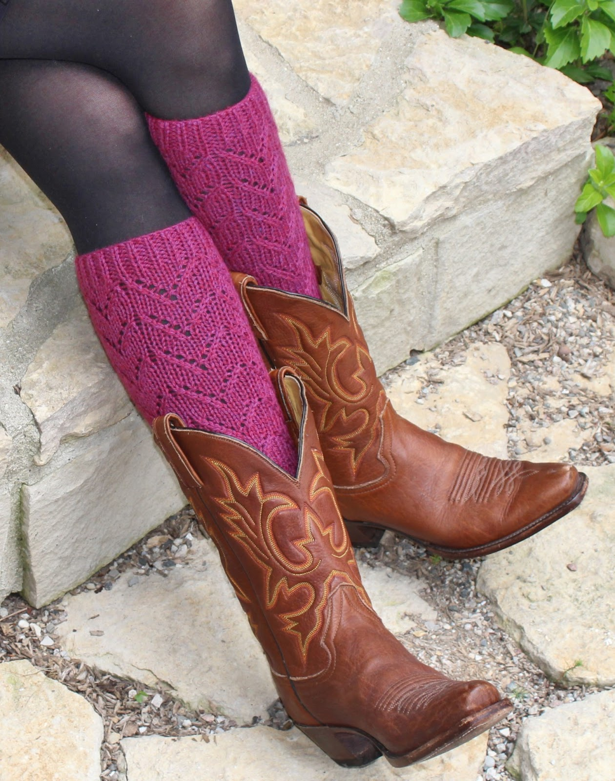 I knit, she purrs: Free Chevron Lace Boot Topper Pattern!