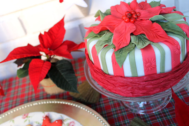tarta con flores de pascua