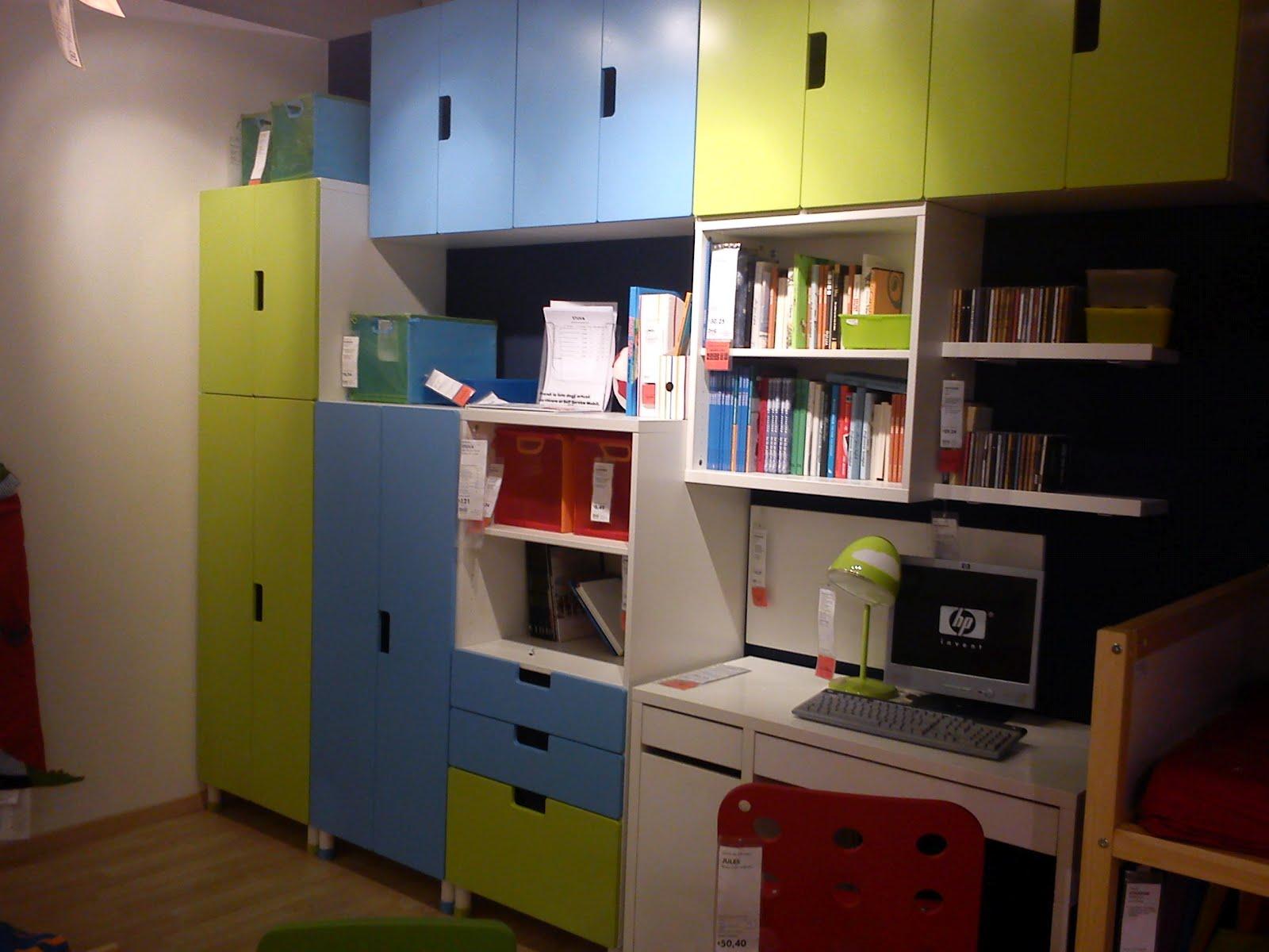 Ikea e momichan camerette stuva e trofast - Ikea catalogo scrivanie ...