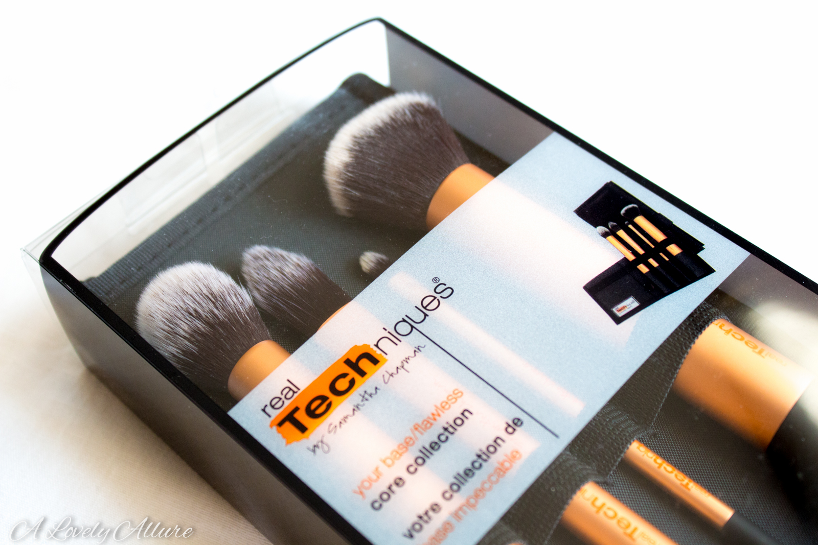 What brushes are in the real techniques core collection